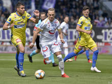 St. Pöltens Petrovic gegen Austrias Top-Stürmer Monschein