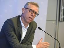 Peter Stöger ist zurück am Fußballplatz