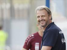 Auch Hartberg-Coach Markus Schopp steht das Lachen im Gesicht
