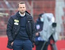WAC-Trainer Ferdinand Feldhofer stehen derzeit nur fünf Spieler zur Verfügung