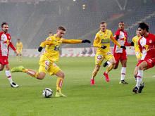 Aleksandar Jukić wird noch länger in Wien-Favoriten kicken
