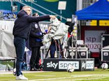 Canadi beim Coaching während dem Spiel in St. Pölten