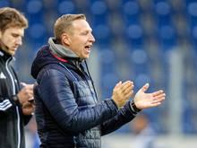Bei St. Pölten ausgeklatscht: Trainer Robert Ibertsberger