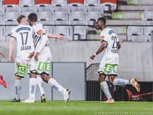 Kelvin Yeboah (r.) nach seinem Tor in Innsbruck in der 92. Minute zum 1:1