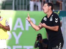 Andreas Heraf feiert den nächsten Heimsieg mit seinem Team