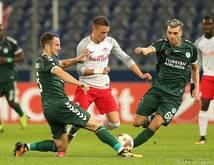 Hannes Wolf mit gelungenem Dribbling