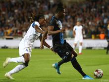 Dynamos Gerson Rodrigues gegen Brügges Simon Deli (r.)