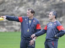 Thomas Janeschitz und Marcel Koller beim Training