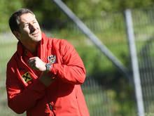 Franco Foda könnte gegen Polen auf drei Innenverteidiger setzen