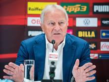 ÖFB-Boss Leo Windtner ist nach dem 0:4 gegen Dänemark gegen eine Teamchef-Diskussion