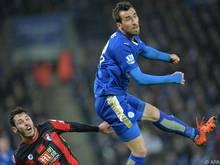 Christian Fuchs ist mit Leicester in Liverpool zu Gast