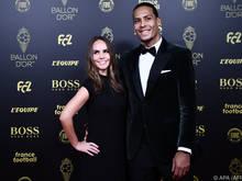Liverpool-Verteidiger Virgil van Dijk mit seiner Frau Rike Nooitgedagt