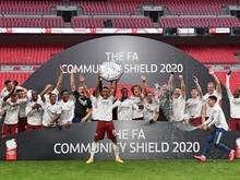 Arsenal-Stürmer Aubameyang stemmt den Community Shield