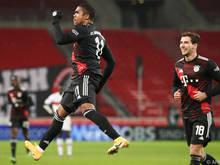 Die Bayern bejubeln einen 3:1-Auswärtssieg gegen Stuttgart