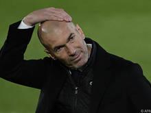 Steht im Derby gegen Atlético unter Druck: Real-Coach Zinédine Zidane