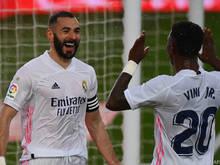 Benzema (l.) und Vinicius Junior jubelten über den Sieg