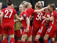 Bayerns Jubel über den Treffer von Sarah Zadrazil