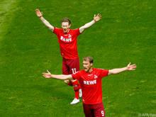 Vorbereiter Kainz (hinten) jubelt mit Torschütze Andersson