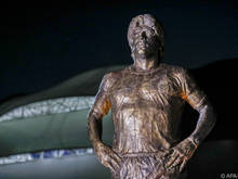 Fußballlegende Diego Maradona als Statue