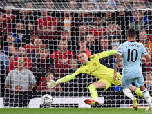 Lanzini erzielte den einzigen Treffer im Old Trafford