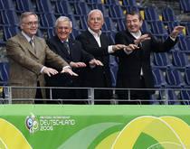 Schmidt, Zwanziger, Beckenbauer und Niersbach finden sich im Gerichtssaal wieder