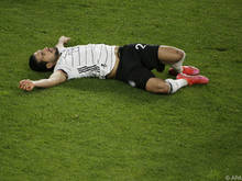 Am Boden: Die DFB-Auswahl (Emre Can) nach der Nordmazedonien-Blamage