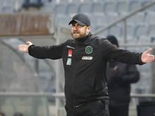 Wacker-Trainer Bierofka konnte mit dem Gesehenen nicht zufrieden sein