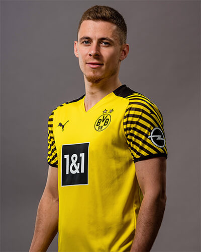 ¿Cuánto mide Thorgan Hazard? - Real height 186962