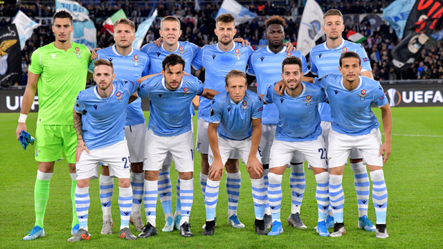 La Lazio en un partido de liga italiana.