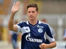 Der Schalker Julian Draxler muss wegen Knieproblemen gegen Darmstadt zuschauen. Foto: Hendrik Schmidt