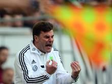 Wolfsburgs Trainer Dieter Hecking glaubt an eine Chance gegen Dortmund