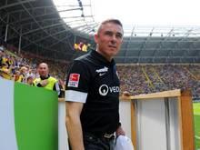 Dresdens Trainer Olaf Janßen will mit seinem Team gegen Bielefeld gewinnen