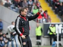 Sascha Lewandowski prophezeit seinem Keeper Bernd Leno eine glänzende Zukunft