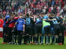 Die Profis vom Hamburger SV schworen sich nach der Mainz-Niederlage sofort auf die Relegation ein