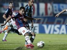Angel Correa (l.) geht zum spanischen Meister