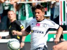 Der noch gesperrte Bartosz Bereszynski wurde von Legia Warschau im Spiel gegen Celtic Glasgow aufs Spielfeld geschickt. Foto: Bartlomiej Zborowski