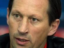 Leverkusens Trainer Roger Schmidt hat großen Respekt vor Zenit. Foto: Federico Gambarini