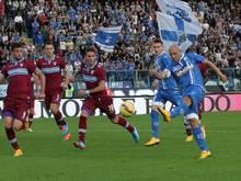Massimo Maccarone (r.) erzielte das 2:0 für Aufsteiger Empoli gegen Lazio Rom