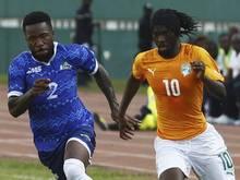 Die Elfenbeinküste um Rom-Star Gervinho (r) erhielt sich seine Chancen mit einem 5:1-Sieg gegen Sierra Leone