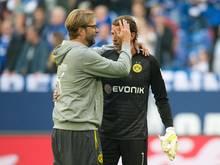 BVB-Trainer Jürgen Klopp hat offengelassen, ob Roman Weidenfeller beim Spiel in Berlin im Tor stehen wird. Foto: Bernd Thissen