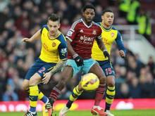Alex Song (M.) konzentriert sich nun auf seine Karriere bei West Ham United