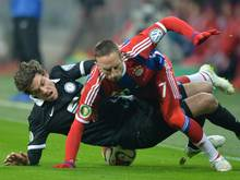 Nach dem Foul des Braunschweigers Benjamin Kessel trat Franck Ribéry nach