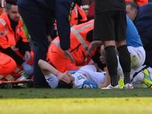 Federico Mattiello wird noch auf dem Fußballfeld behandelt