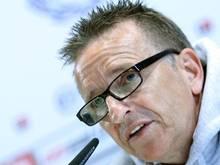 Bielefelds Trainer Norbert Meier kann für das Halbfinale gegen Wolfsburg aus dem Vollen schöpfen