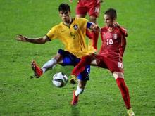 Mijat Gacinovic (r.) hat bei der Eintracht einen Vierjahresvertrag unterschrieben
