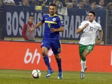 Vedad Ibisevic (l.) hat den Kampf um die EM-Qualifikation mit Bosnien noch nicht aufgegeben.