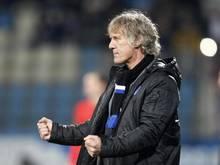 Bochums Trainer Gertjan Verbeek spornt seine Spieler zu einem mutigen Auftreten an