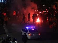 Beim Hinspiel im Toumba Stadion in Thessaloniki zündeten Fans Pyrotechnik