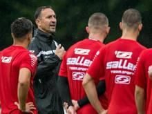 Jahn Regensburgs Trainer Achim Beierlorzer ließ in seiner Premiereneinheit viele Spielformen absolvieren