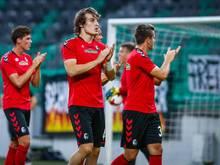 Freiburgs Spieler bedanken sich nach dem Europa-Aus bei ihren Fans